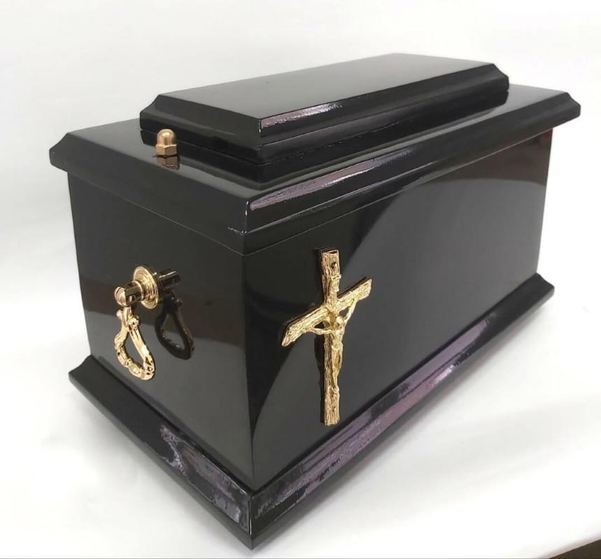 drewniane urny D-01
