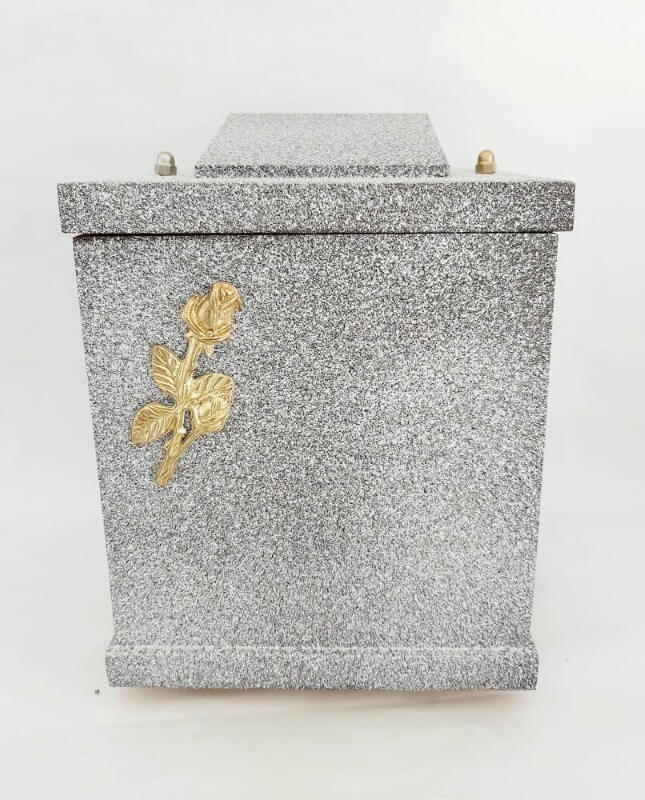 urna drewniana z różą D-07