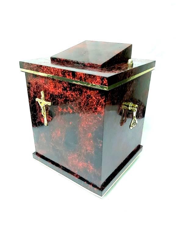 Czerwona urna z krzyżem D-17