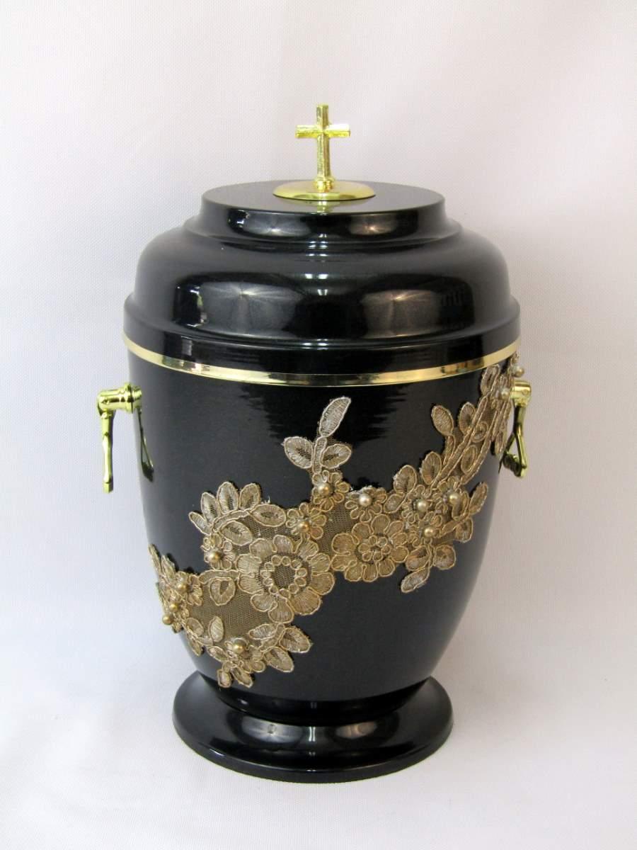 urna ze zdobieniami