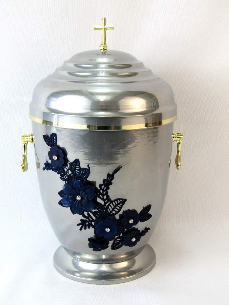Srebra urna