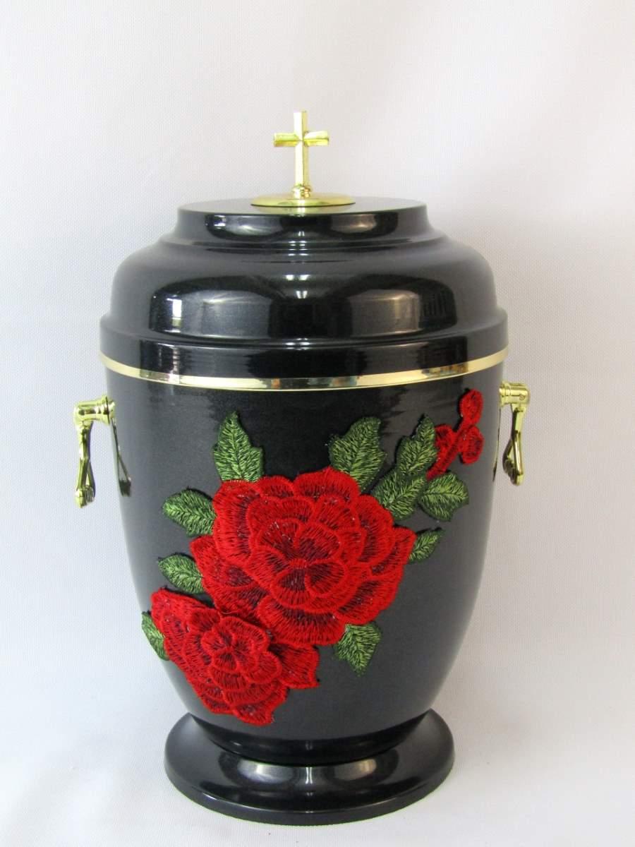 urna zdobiona kwiatami