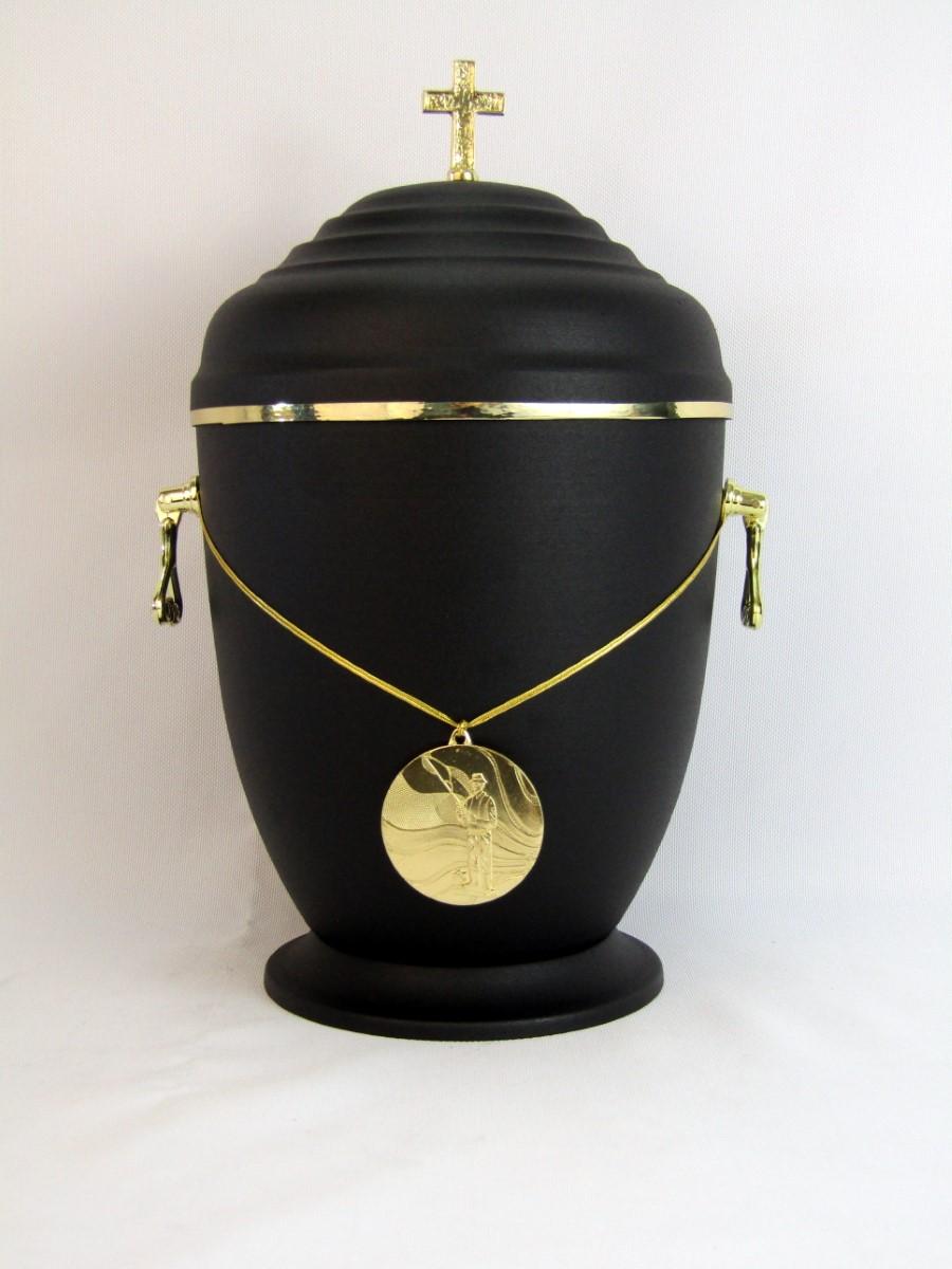 Urna ze złotym medalem