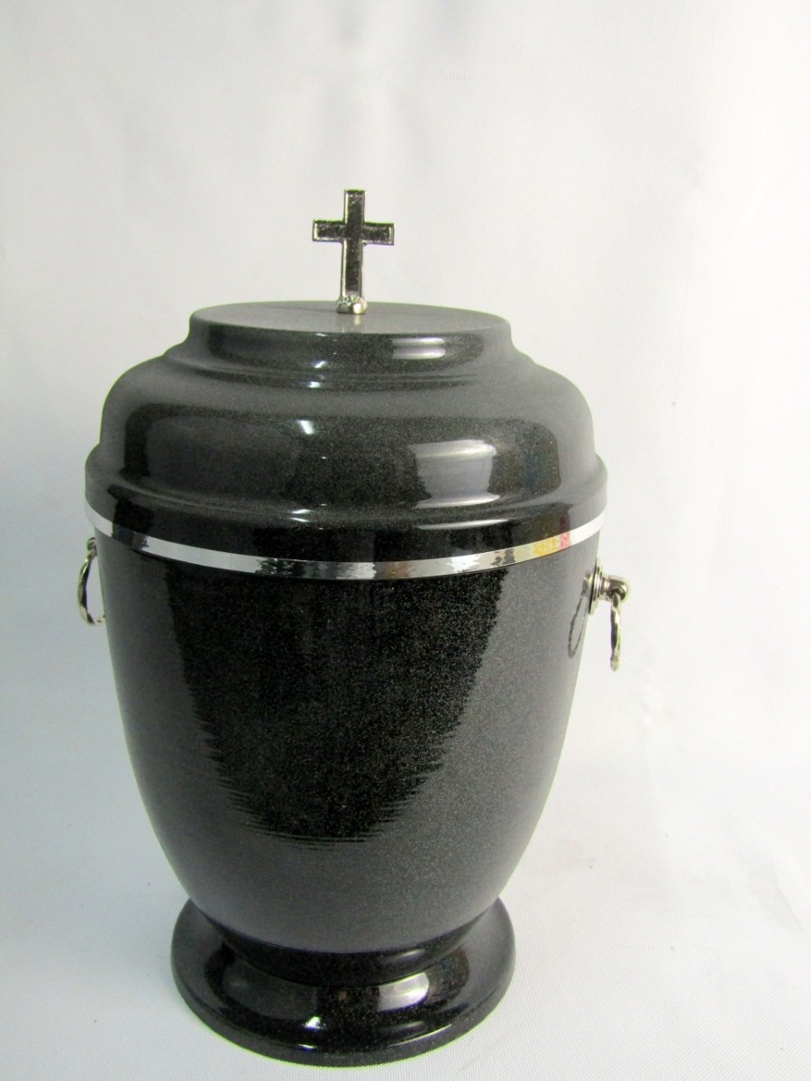 Urna metalowa ze srebrnymi zdobieniami